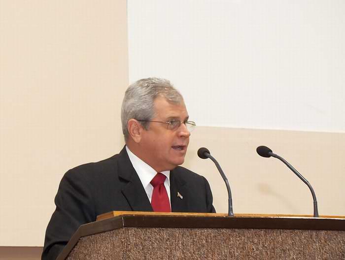 Homero Acosta Álvarez, Secretario del Consejo de Estado, durante su intervención en la clausura del Octavo Congreso de la Unión Nacional de Juristas de Cuba. Foto: Sergei Montalvo