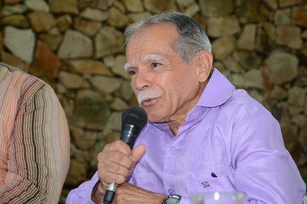 Otorgan reconocimientos a Oscar López Rivera en Santiago de Cuba. Foto: ACN