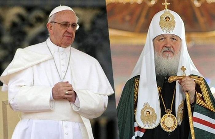 Papa Francisco y patriarca Kirill celebran histórica reunión en Cuba