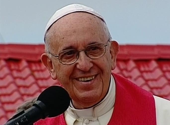 Desde la Loma de la Cruz, el Papa Francisco bendice a los holguineros