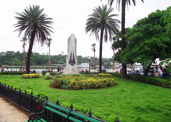Parque a los Marinos mercantes ubicado en el municipio Habana Vieja, Cuba. Foto: Abel Rojas.