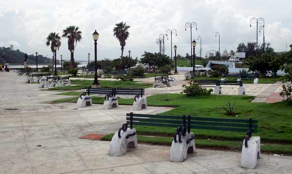 Parque de La Punta ubicado en la Habana Vieja, Cuba. Foto: Abel Rojas.