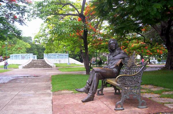 Parque John Lennon en el municipio Plaza de la Revolución, La Habana, Cuba. Foto: Abel Rojas.