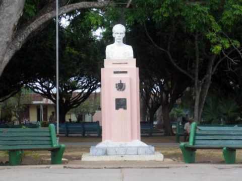 http://www.radiorebelde.cu/images/images/cuba/parque-marti-florida-camaguey-foto-mf-pinares.jpg