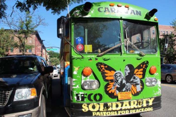 Enfrentan Pastores por la Paz embestida a la solidaridad