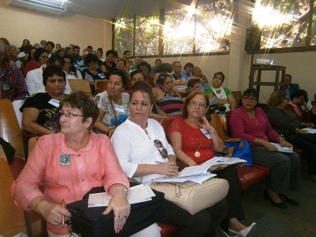 En Cienfuegos pedagogos cubanos rinden homenaje a Fidel