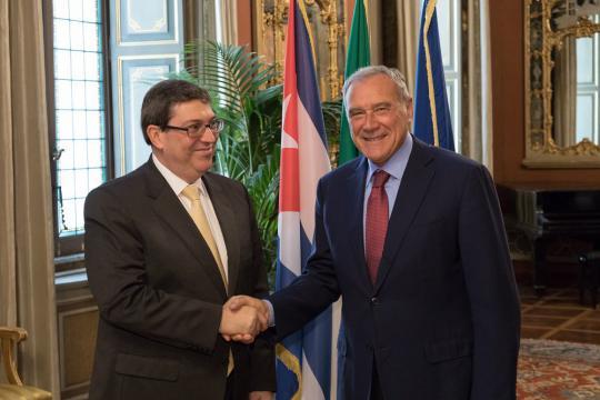 Reciben l deres del parlamento italiano al canciller de cuba for Lavorare al parlamento italiano