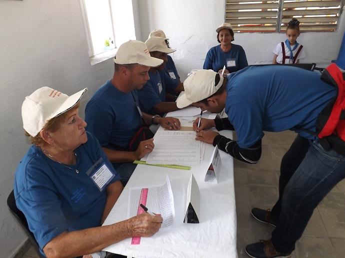 Más de 63 mil pineros votan por Cuba