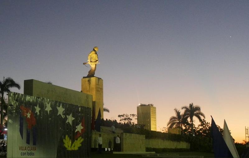Desde Santa Clara, Cuba  rinde  tributo al Che