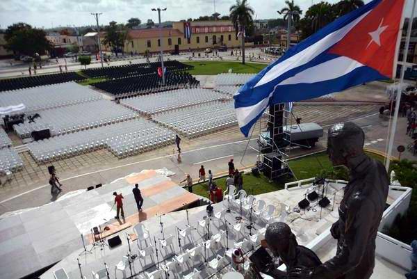 Lista Plaza de la Revolución espirituana para celebrar el Día de la Rebeldía Nacional . Foto: Oscar Alfonso