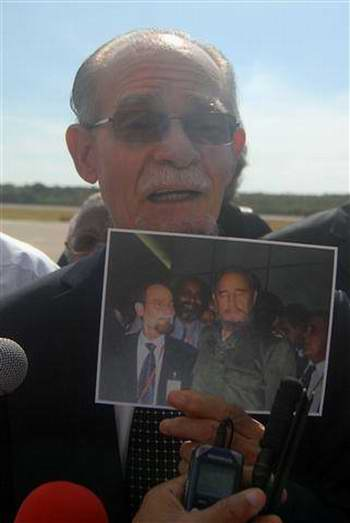 Presidente del Consejo Regional de Martinica, Alfred Marie-Jeanne a su llegada al aeropuerto Antonio Maceo de Santiago de Cuba. Tomado del Periódico Sierra Maestra