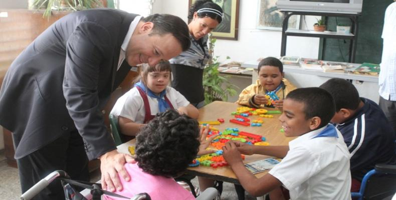 Diaz-Canel announces inauguration of Special Education Centers