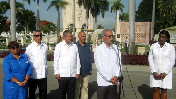Rinde presidente Brahin Ghali homenaje a Martí y a Fidel en Santiago de Cuba. Foto: Carlos Sanabia