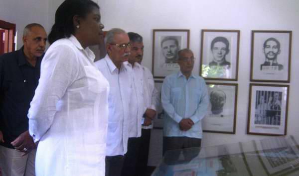 Visita el presidente de la República Árabe Saharaui Democrática la Granjita Siboney en comopañia de Beatriz Jonson, presidenta del gobierno en Santiago de Cuba. Foto: Carlos Sanabia