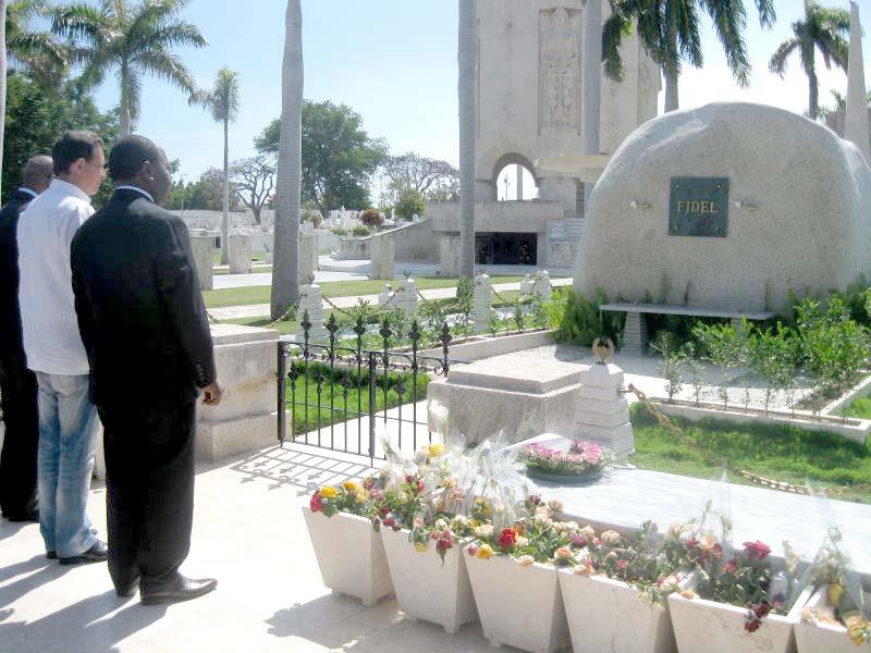 Primer Ministro del Congo rinde tributo a Fidel Castro