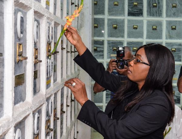 Recibe Presidente cubano a Primera Ministra de Namibia
