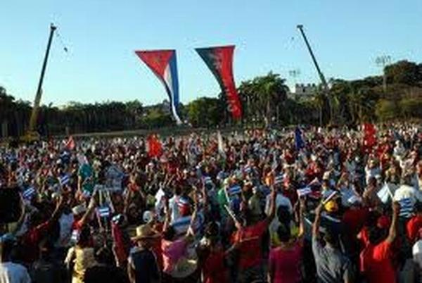Pueblo cubano, desfile del Primero de Mayo, Cuba, 2011