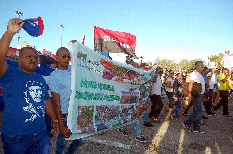 Imágenes del 1ro. de Mayo en Holguín. Foto: Aroldo García