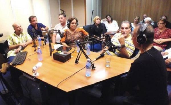 A su regreso, los Cinco compartieron con los oyentes de Radio Rebelde, a través del programa La Luz en lo Oscuro