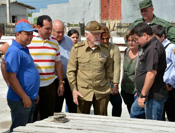 Aboga Ramiro Valdés por soluciones eficientes en la construcción. Foto: Rodolfo Blanco