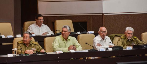Asiste Raúl Castro a sesión Extraordinaria del Parlamento cubano. Foto: Marcelino Vázquez
