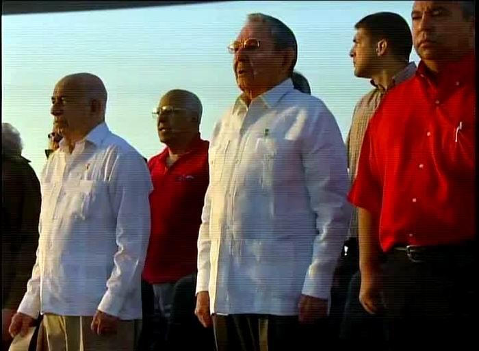 Raúl Castro presente en el desfile por el Primero de Mayo en La Habana