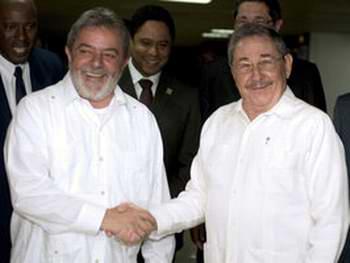 Brindo por este abrazo en Brasilia