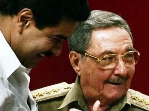 Felicita Raúl Castro a Nicolás Maduro por contundente victoria