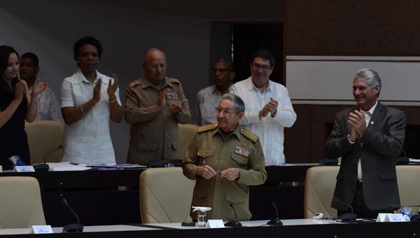 Ratifica Raúl Castro espíritu de resistencia del pueblo cubano. Foto: Marcelino Vázquez