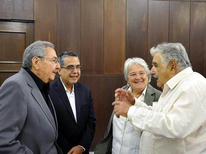 Raul Castro receives Former Uruguayan President Jose Mujica