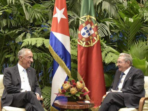 Recibió Raúl Castro al Presidente de la República Portuguesa.Foto: Estudios Revolución