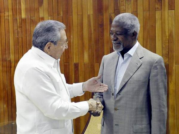 Raul Castro Meets with Kofi Annan