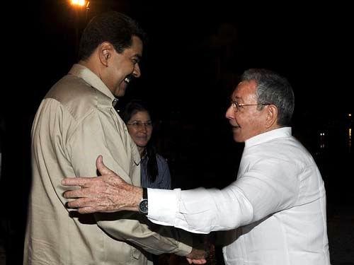 Despidió Raúl a Nicolás Maduro. Foto: Estdios Revolución
