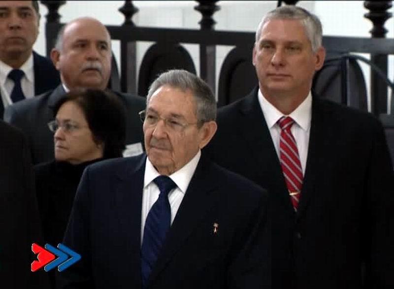Asiste Raúl Castro a Divina Liturgia oficiada por el Patriarca Kirill