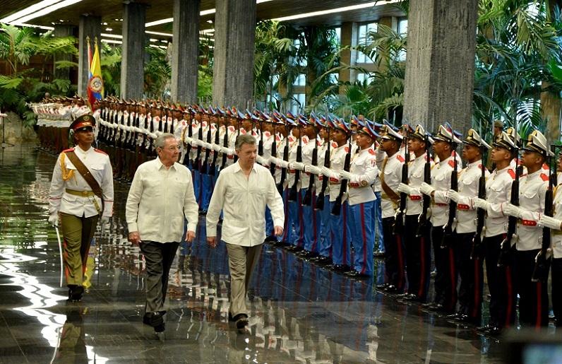 Presidente cubano Raúl Castro recibió a su homólogo colombiano