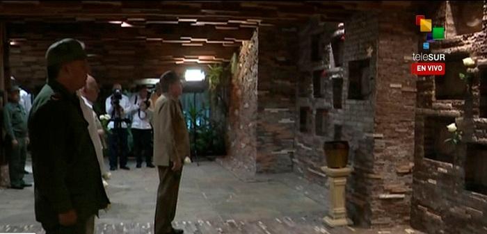 Preside Raúl Castro acto de homenaje al Guerrillero Heroico