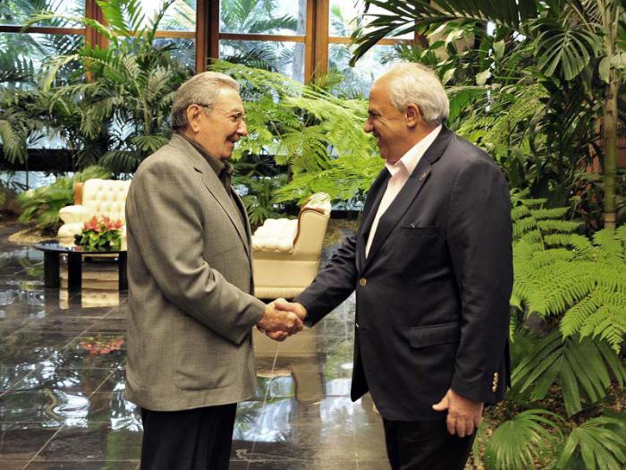 President Raul Castro meets UNASUR General Secretary