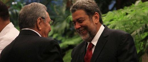 General de Ejército Raúl Castro, Primer Secretario del Comité Central del Partido Comunista de Cuba y Presidente de los Consejos de Estado y de Ministros Cubano, Raúl Castro y Primer Ministro de San Vicente y las Granadinas. Foto Cubaminrex