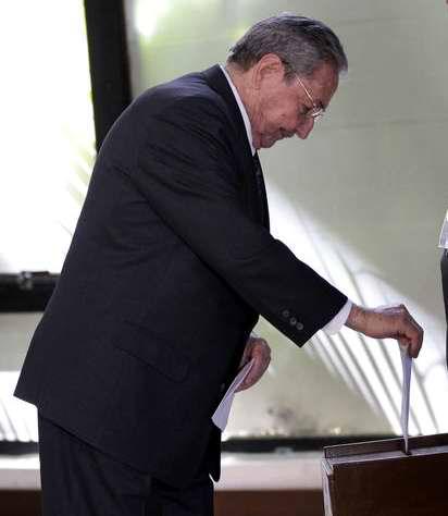 Raúl Castro fue reelecto como presidente del Consejo de Estado por el Parlamento Cubano. Foto Ismael Francisco