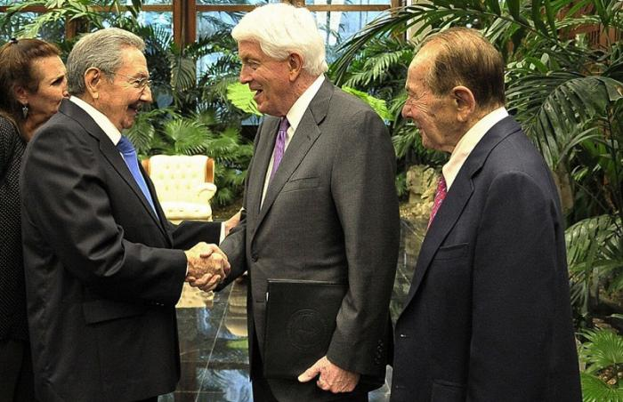Raul Castro meets US Chamber of Commerce President