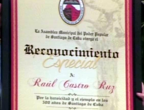 Reconoce Santiago de Cuba la heroicidad de Fidel y Raúl Castro