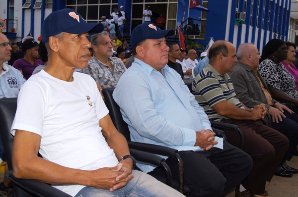 Abogan trabajadores eléctricos cubanos por la diversificación de la  matriz energética. Fotos: José Miguel Solís