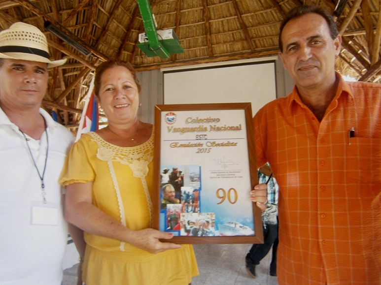Empresa de Servicios a Trabajadores de la Construcci�n en Cienfuegos a la Vanguardia de Cuba