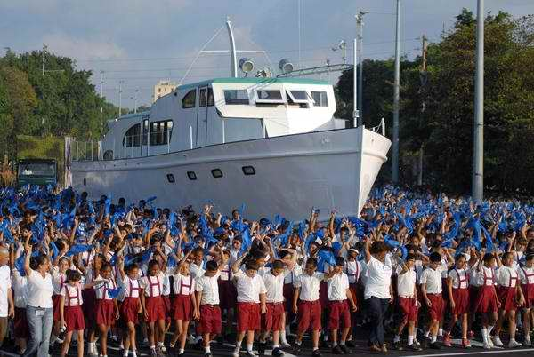 Pioneros cubanos encabezarán desfile y revista militar del 2 de enero