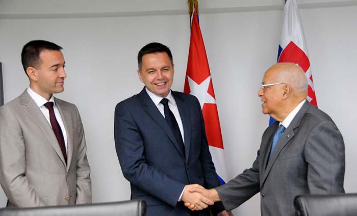 Recibe Ricardo Cabrisas al Ministro de Finanzas de la Rep�blica Eslovaca