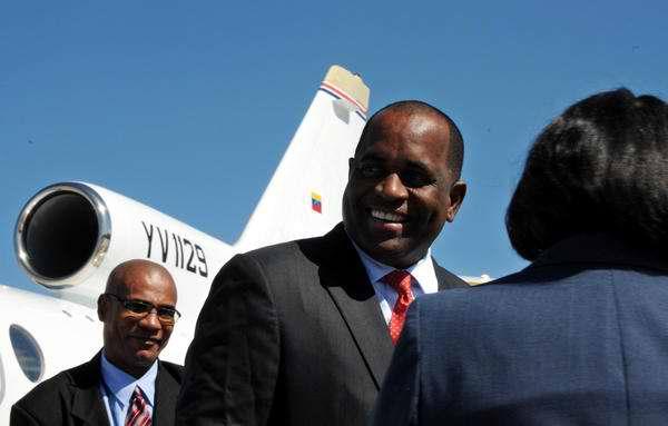 Roosevelt Skerrit, Primer Ministro de Dominica, ofrece declaraciones a su llegada al Aeropuerto Internacional José Martí, en La Habana, para participar en la II Cumbre de la Comunidad de Estados Latinoamericanos y Caribeños (CELAC). Foto: Omara García Mederos