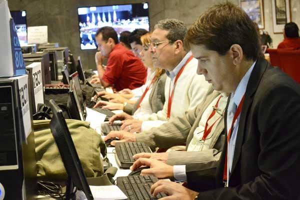 Centro de Prensa Internacional, en el Memorial José Martí para cubrir la X Cumbre Conmemorativa ALBA-TCP. Foto Abel Rojas