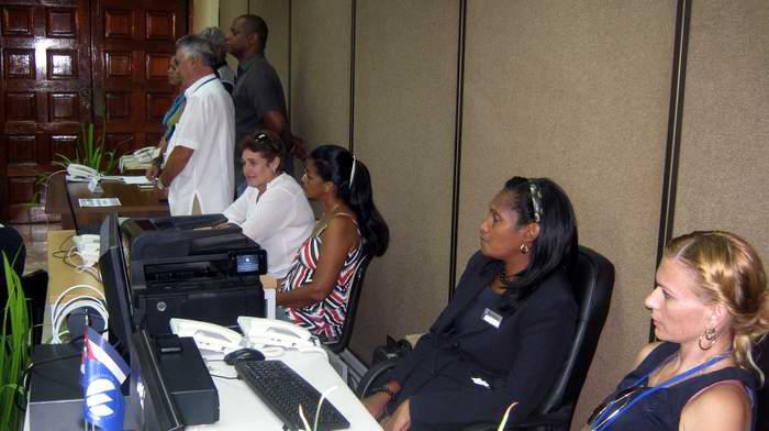 Inauguran sala de prensa en Santiago de Cuba para visita del Papa Francisco. Foto: Carlos Sanabia