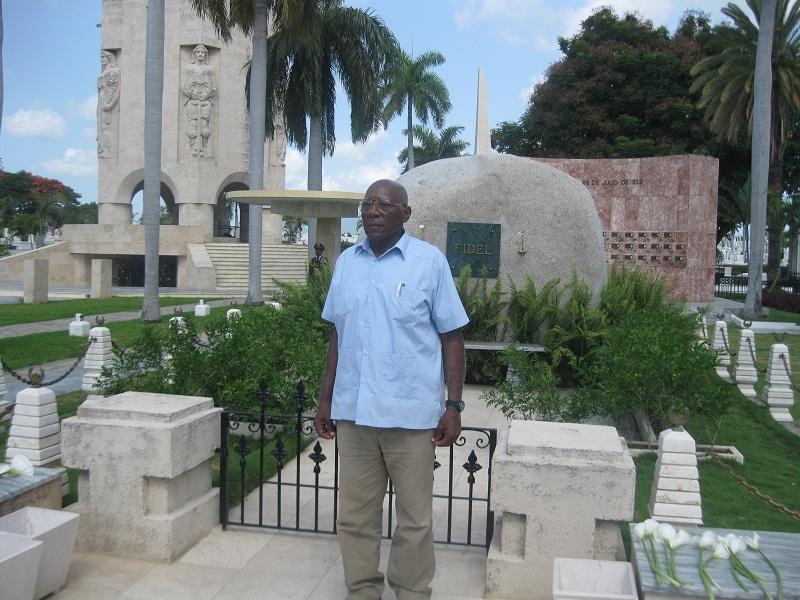 Recorre Valdés Mesa sitios de interés económico en Santiago de Cuba