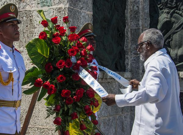 Namibian Leader Sam Nujoma Pays Tribute to Cuban Revolutionaries